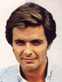 Ian Ogilvy as Simon Templar in The Return of The Saint