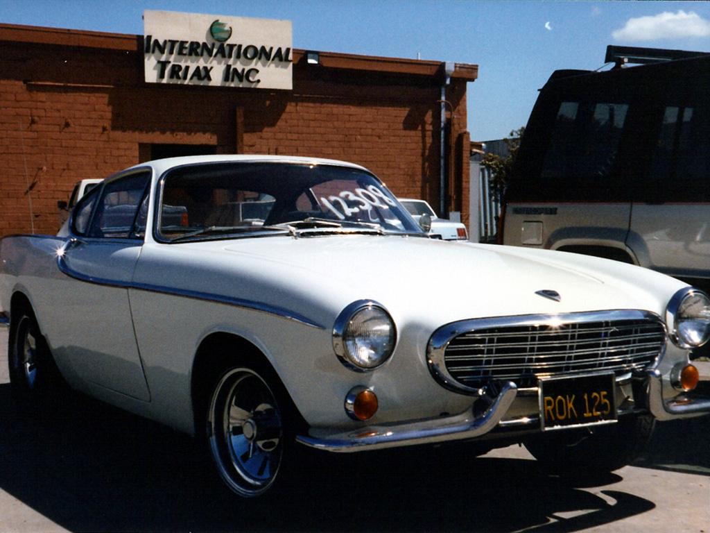 1964 Volvo 1800S sitting